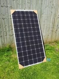 太阳能光伏组件的存在之前安装在屋顶上