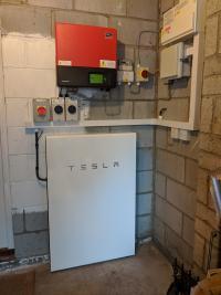 Tesla Powerwall & EV charge point