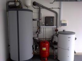 Heat pump cylinder and controls