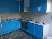 Kitchen installation + tiling